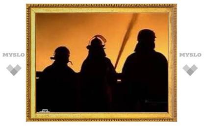 В Подольске произошел сильный пожар в здании автосервиса