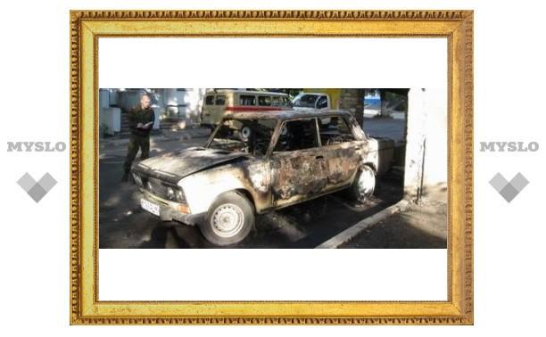 Под Тулой сгорело два автомобиля