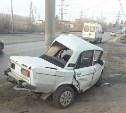 В Туле на улице Рязанской ВАЗ протаранил столб