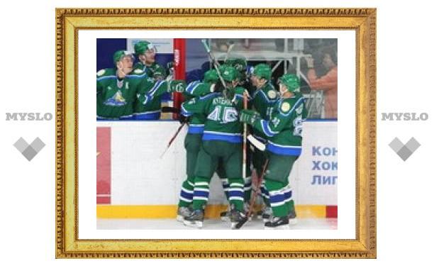 Лидер чемпионата КХЛ одержал восьмую победу