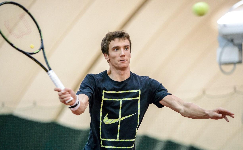 Андрей Кузнецов принёс первое очко сборной России на теннисном Кубке Дэвиса
