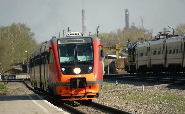 В Алексинском районе столкнулись поезд и легковушка