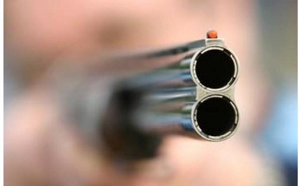 В Кимовске вооруженный пенсионер грозился застрелить свою бывшую любовницу