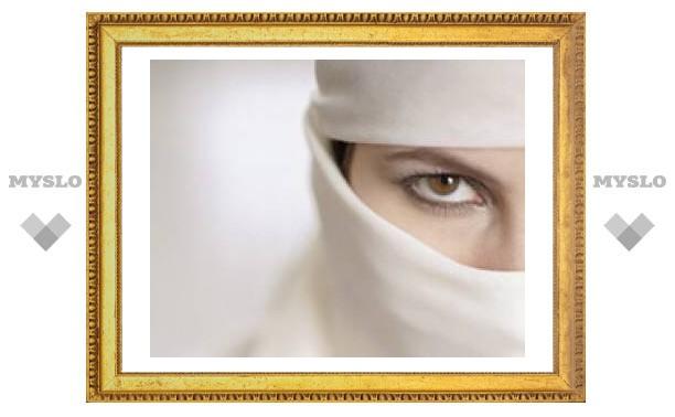 В Саудовской Аравии нашли способ, как, соблюдая шариат, оформить женщине паспорт