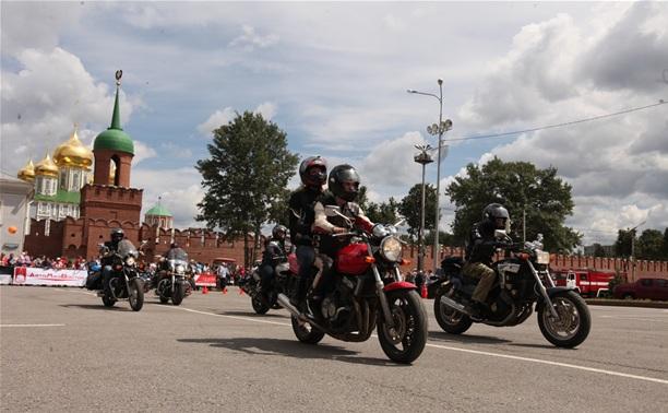 """На """"Автостраде-2014"""" девушка упала с мотоцикла"""