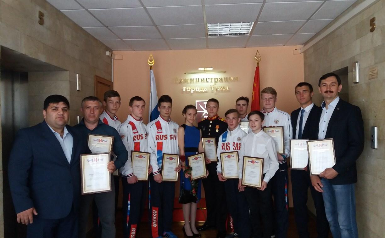 В Туле наградили рукопашников, успешно выступивших на соревнованиях