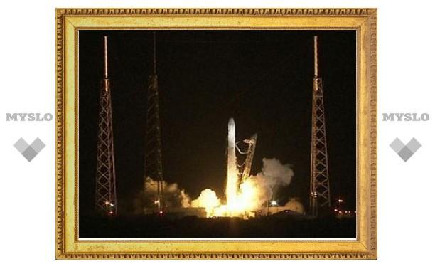 Частный космический корабль стартовал к МКС