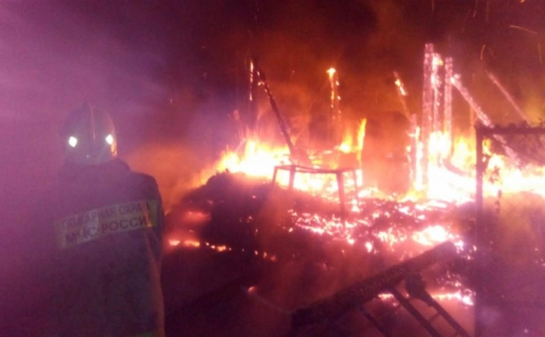 В Алексине полностью сгорела дача