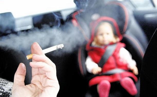 Курение в авто при детях попадёт под запрет