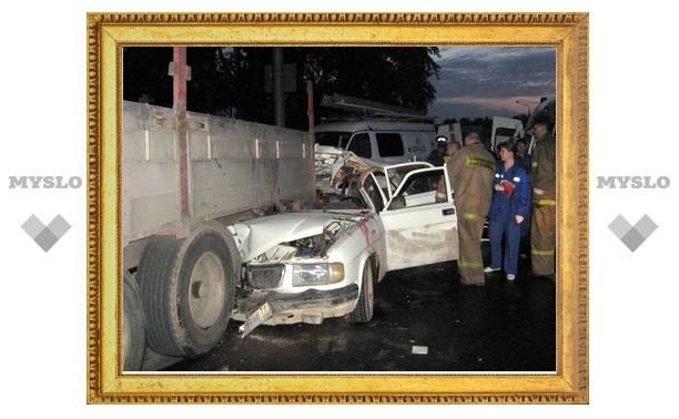 В Туле мертвецки пьяный водитель «Волги» врезался в фуру