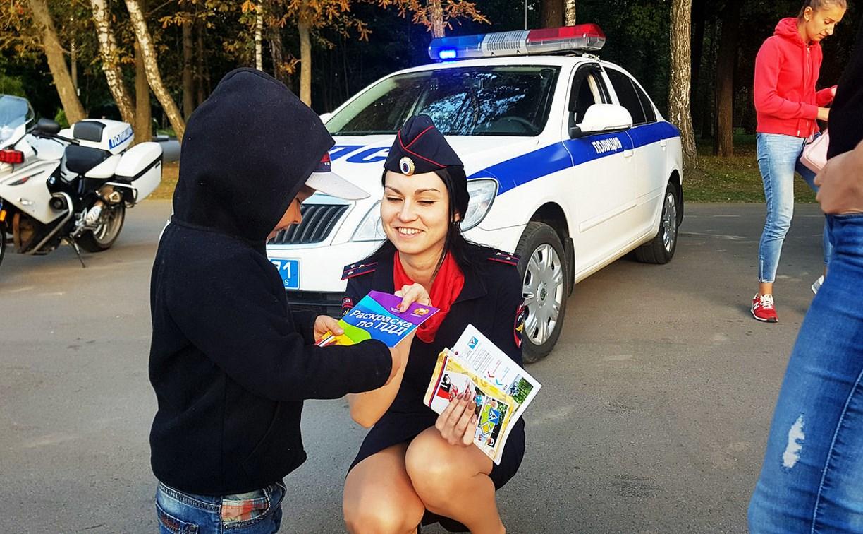 Инспекторы УГИБДД провели занятие по ПДД для юных туляков