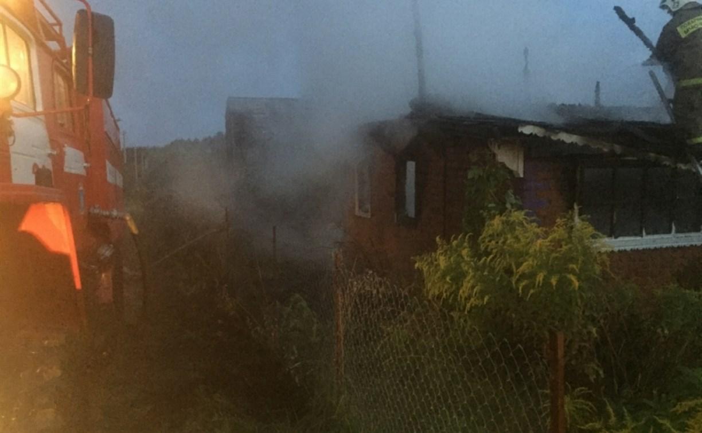 В Алексинском районе утром сгорела дача