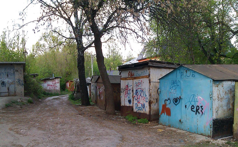 За гаражами на ул. Овражной в Туле найден труп мужчины