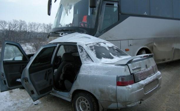 Авария «десятки» и пассажирского автобуса: подробности