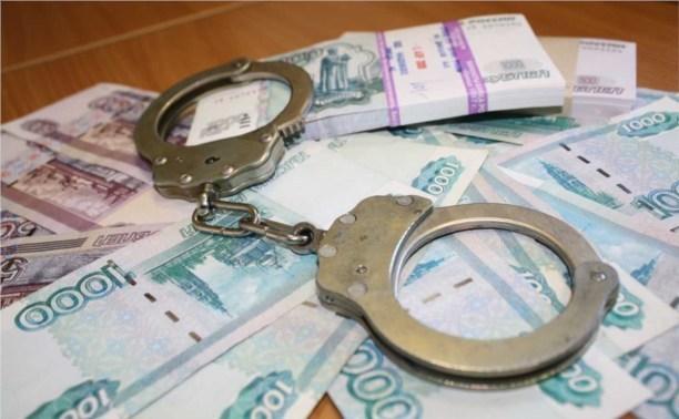 Школьница украла у трудовика 50 000 рублей