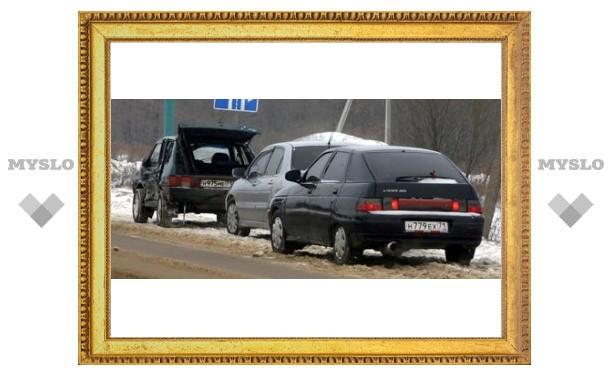 На въезде в Тулу опрокинулись два авто