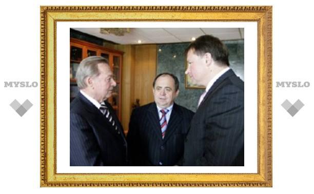 Тулу посетили посол и экс-президент Словакии