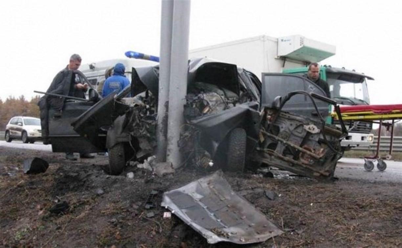 На трассе М-4 «Дон» автомобиль врезался в столб