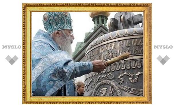 Митрополит Санкт-Петербургский Владимир совершил чин освящения колоколов воссозданной звонницы Феодоровского собора Петербурга