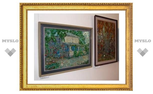 В Туле открылась выставка стеклянной мозаики