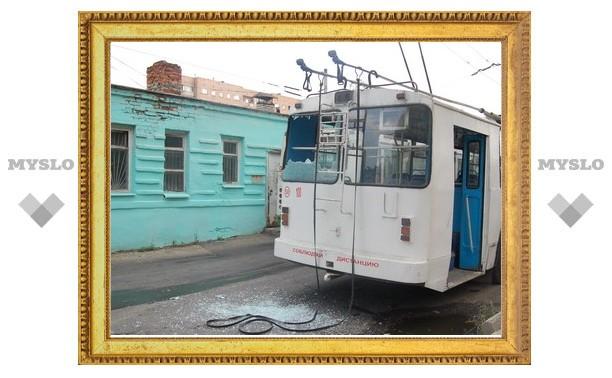 Тульские троллейбусы не поделили дорогу