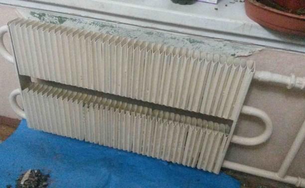 В Арсеньевском районе двое мужчин украли из детского сада батареи отопления