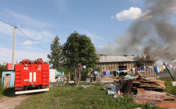 С огнем в жилом доме в селе Теплое боролись три пожарных расчета