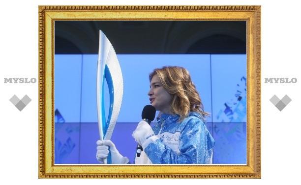 Факел сочинской Олимпиалы-2014 показали общественности