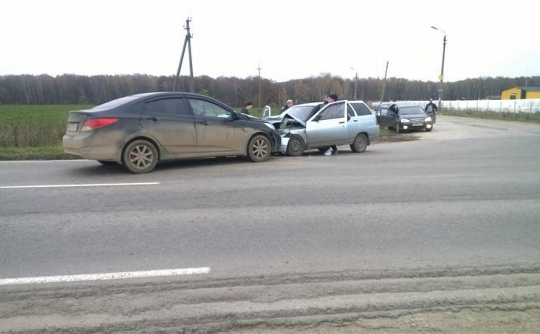 В аварии под Алексином пострадали три человека