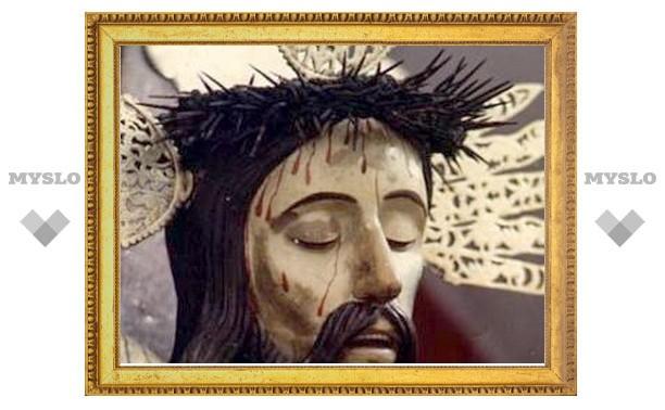 Чавес совершил паломничество к чудотворной статуе Христа