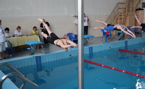 В Новомосковске прошло региональное первенство по плаванию