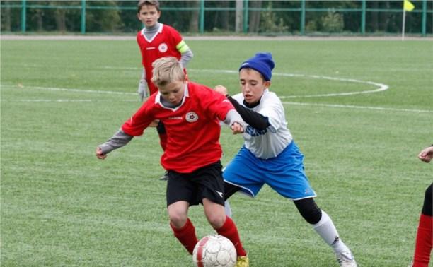 В финале Кубка губернатора встретятся тульские и новомосковские футболисты