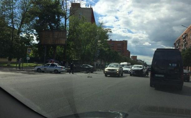 На Красноармейском проспекте Тулы в ДТП пострадали несколько человек