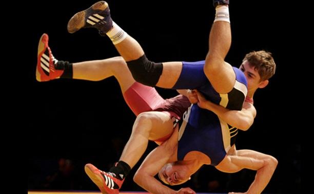 Тульские борцы вольного стиля выиграли медали в Калуге