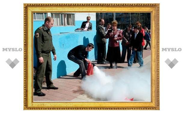 Тульские огнеборцы научат детей спасаться от пожара