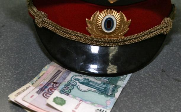 В Алексине нелегал хотел дать взятку участковому