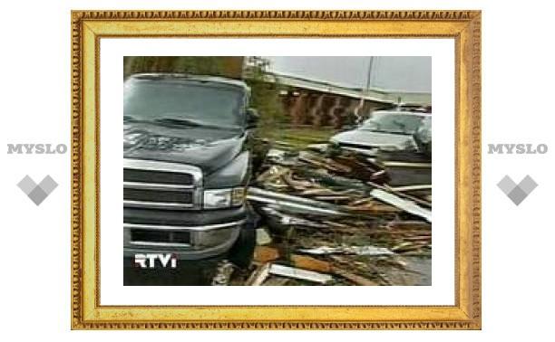 Торнадо в США разрушил здание школы и убил 13 человек