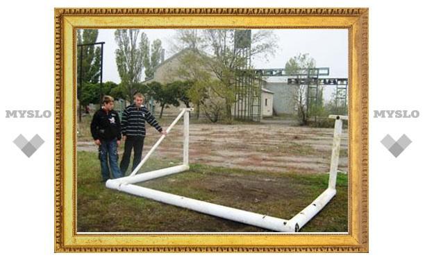 Под Тулой на школьника упали футбольные ворота