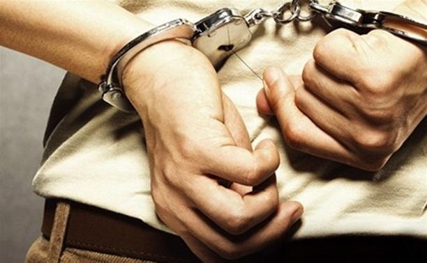 В культурно-развлекательном центре Пролетарского района задержали грабителя