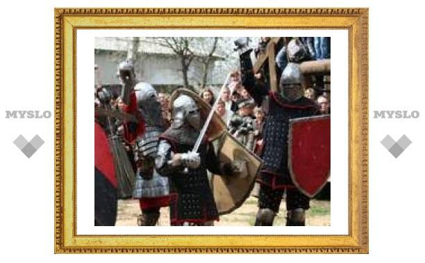 Рыцари Средневековья устроили в Туле сражение (ВИДЕО)