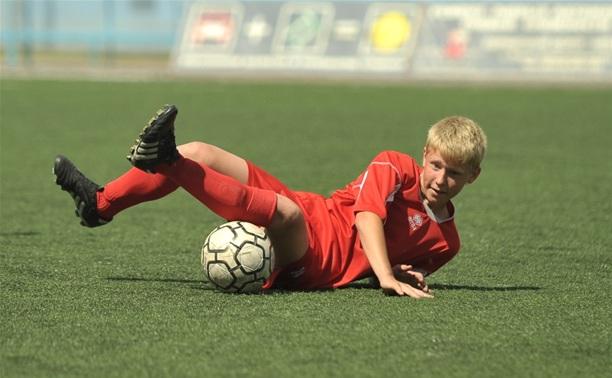 В Туле стартовал футбольный турнир «Кожаный мяч»
