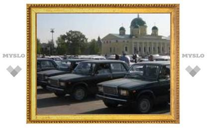 Тульским ветеранам подарили автомобили