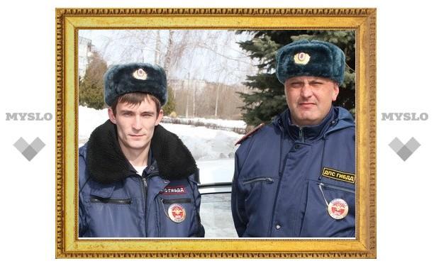 В Тульской области экипаж ДПС спас жертву инсульта