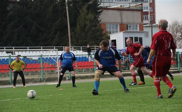 Тульские ветераны футбола начали борьбу за звание чемпионов региона