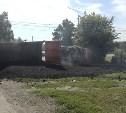 Под Тулой опрокинулись два грузовика с асфальтом