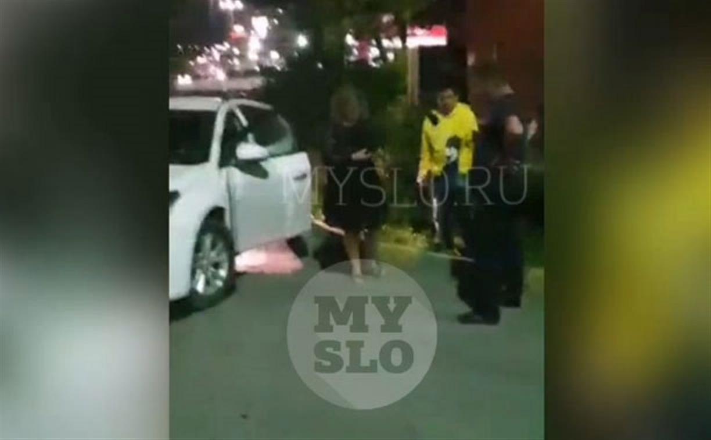 Пьяный туляк устроил ДТП во дворе, а его жена хотела убрать авто с места происшествия: видео