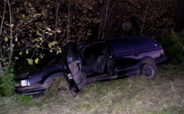 В Одоевском районе автомобиль опрокинулся в кювет