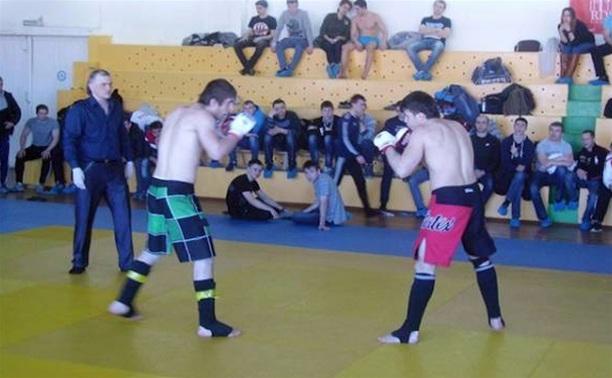 В Туле прошел чемпионат по смешанным единоборствам