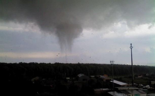 Очевидец об урагане в Ефремове: с домов срывало крыши
