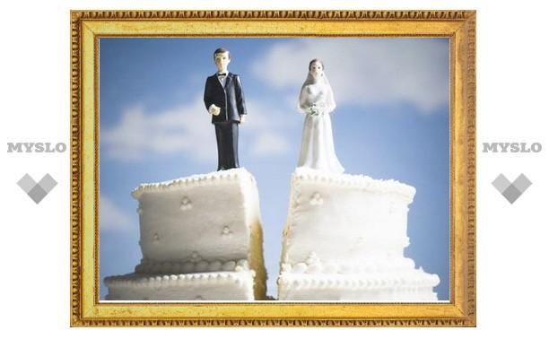 В Тульской области разводятся примерно 8 семей из 10?
